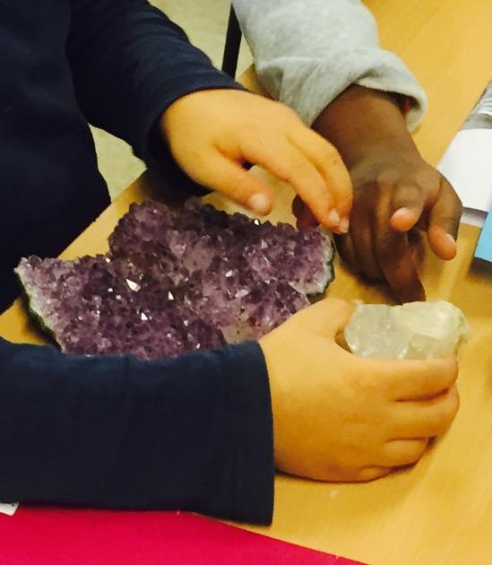 sten og hænder